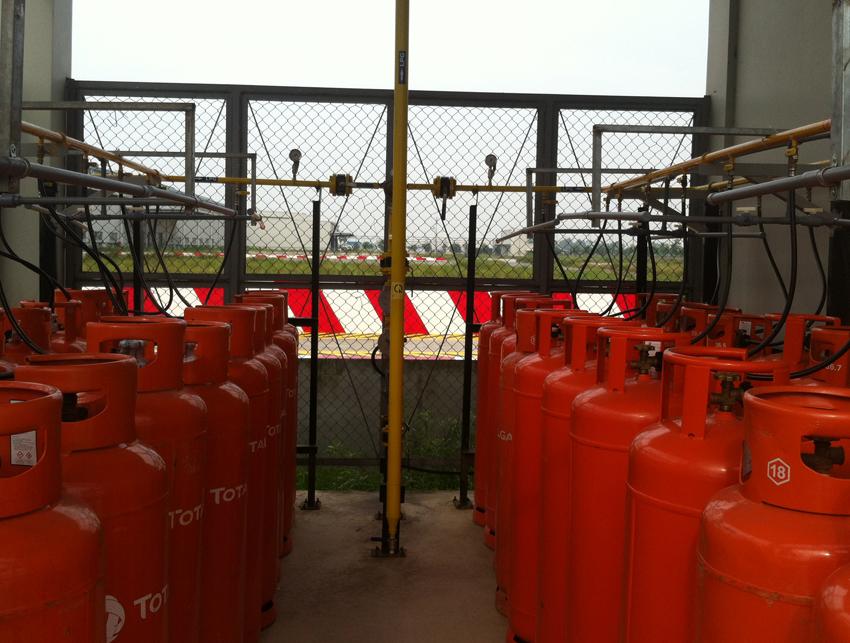 Một số hình ảnh kho chứa gas và hệ thống tồn trữ và phân phối gas bình công nghiệp 45kg